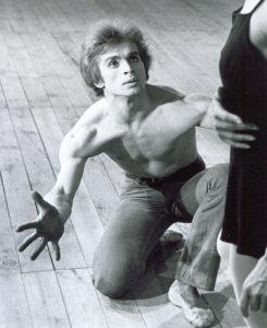 Rudolf Noureev dansant Le Jeune Homme et la Mort 1966 - avec Zizi Jeanmaire
