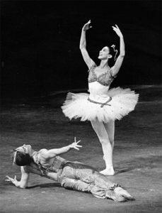 Rudolf Noureev dansant Le Corsaire - 1968 New York avec Margot Fonteyn